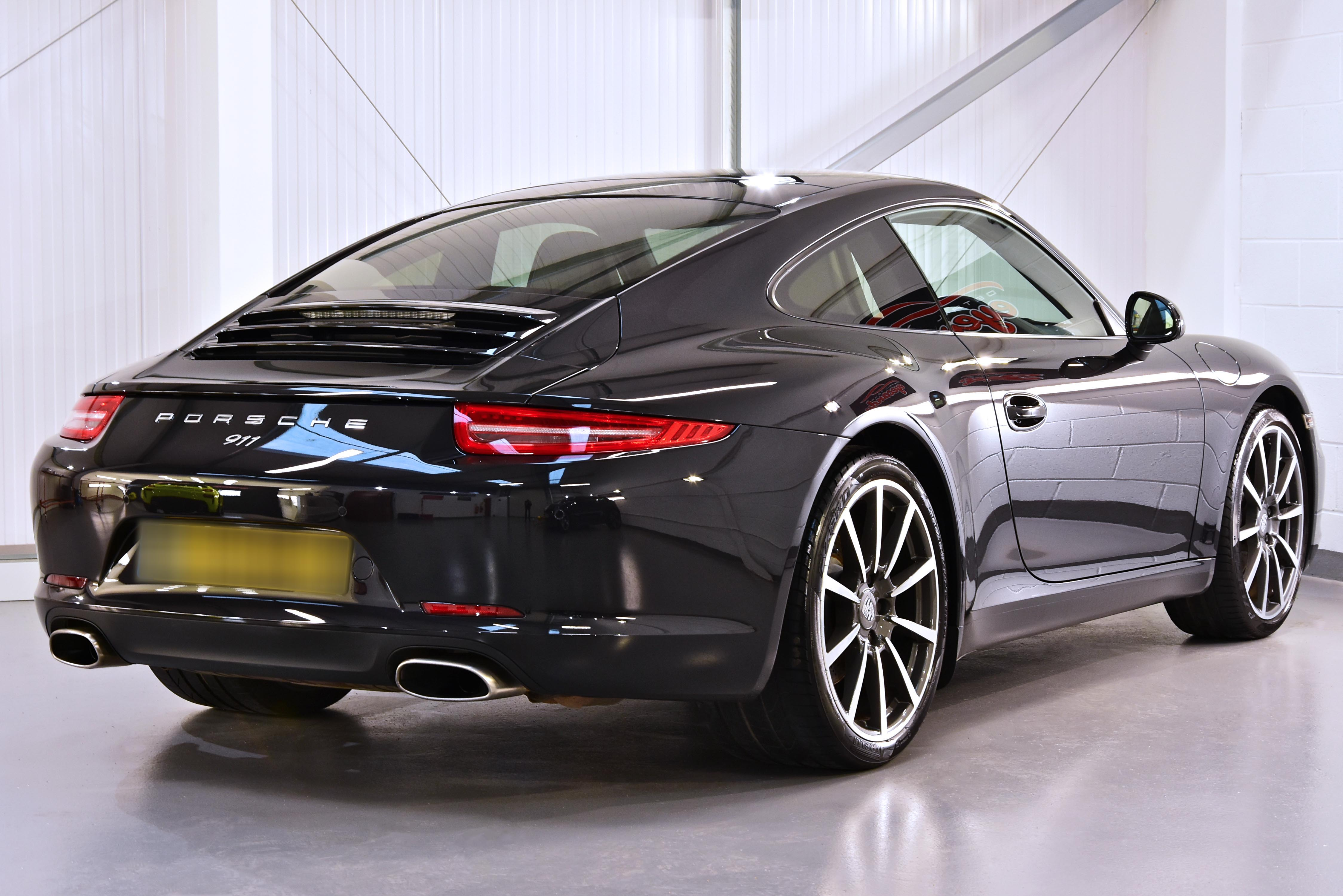Porsche 911 Paint Correction Detail with Gtechniq Crystal Serum Ultra